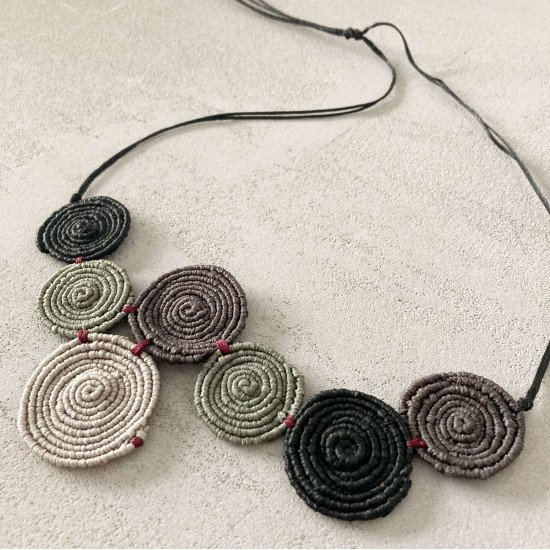 macrame necklace speira